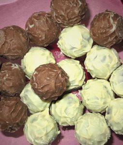 chocolates-408449_1280