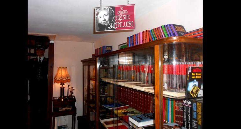 Für Agatha Christie Fans hält die Sammlung manches Schmankerl bereit.