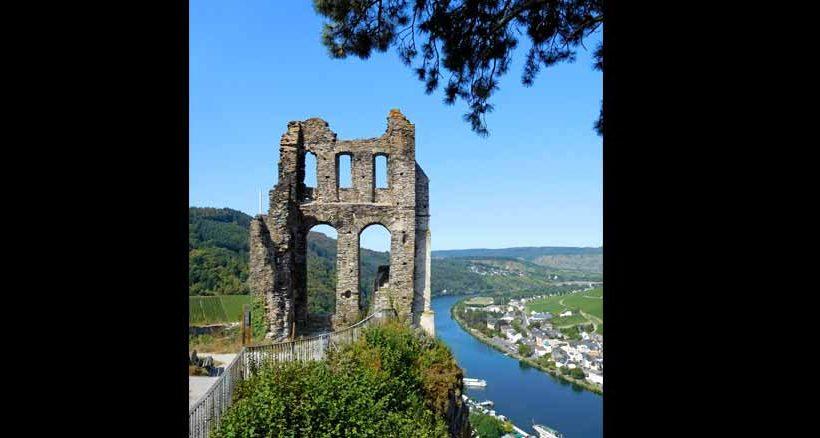 Im Jahr 1350 wurde die Grevenburg bei Traben-Trabach erbaut, im Jahr 1753 zerstört. Nun erinnert nur noch eine Ruine an vergangene Zeiten.